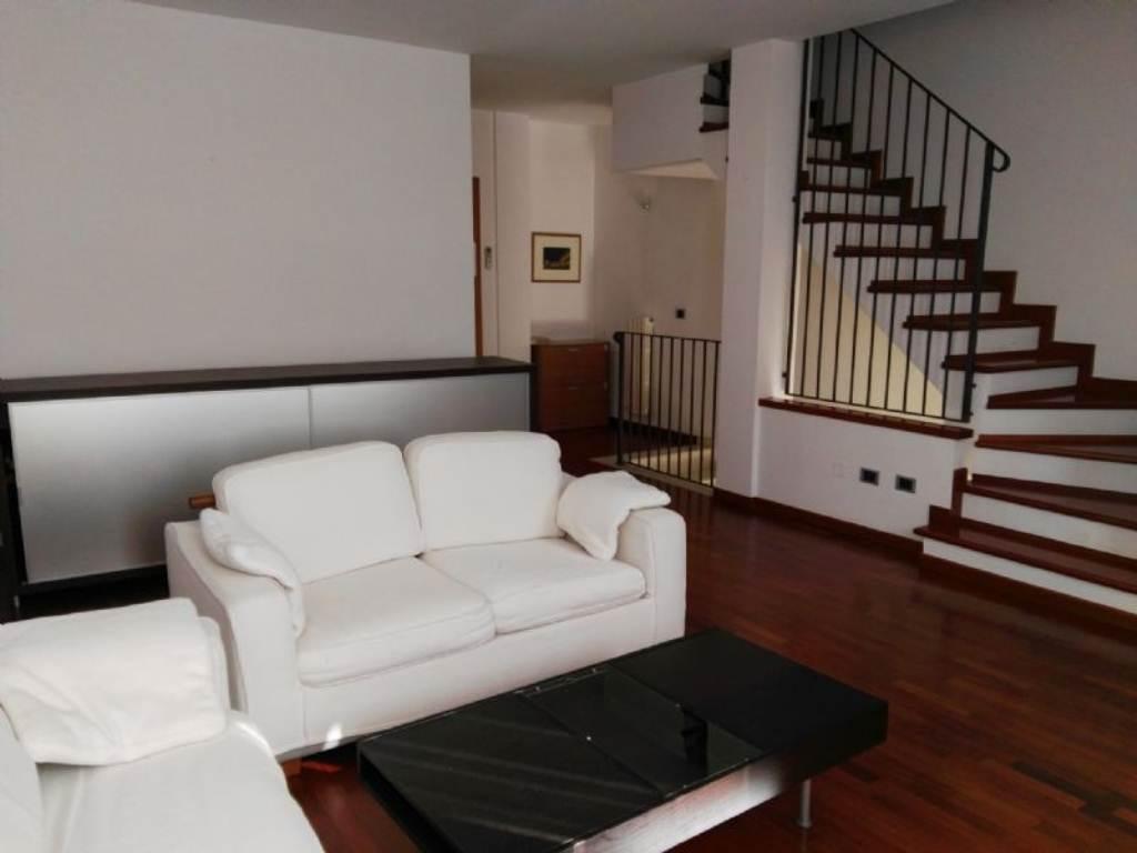 Palazzo / Stabile in affitto a Padova, 4 locali, zona Zona: 5 . Sud-Ovest (Armistizio-Savonarola), prezzo € 950 | Cambio Casa.it