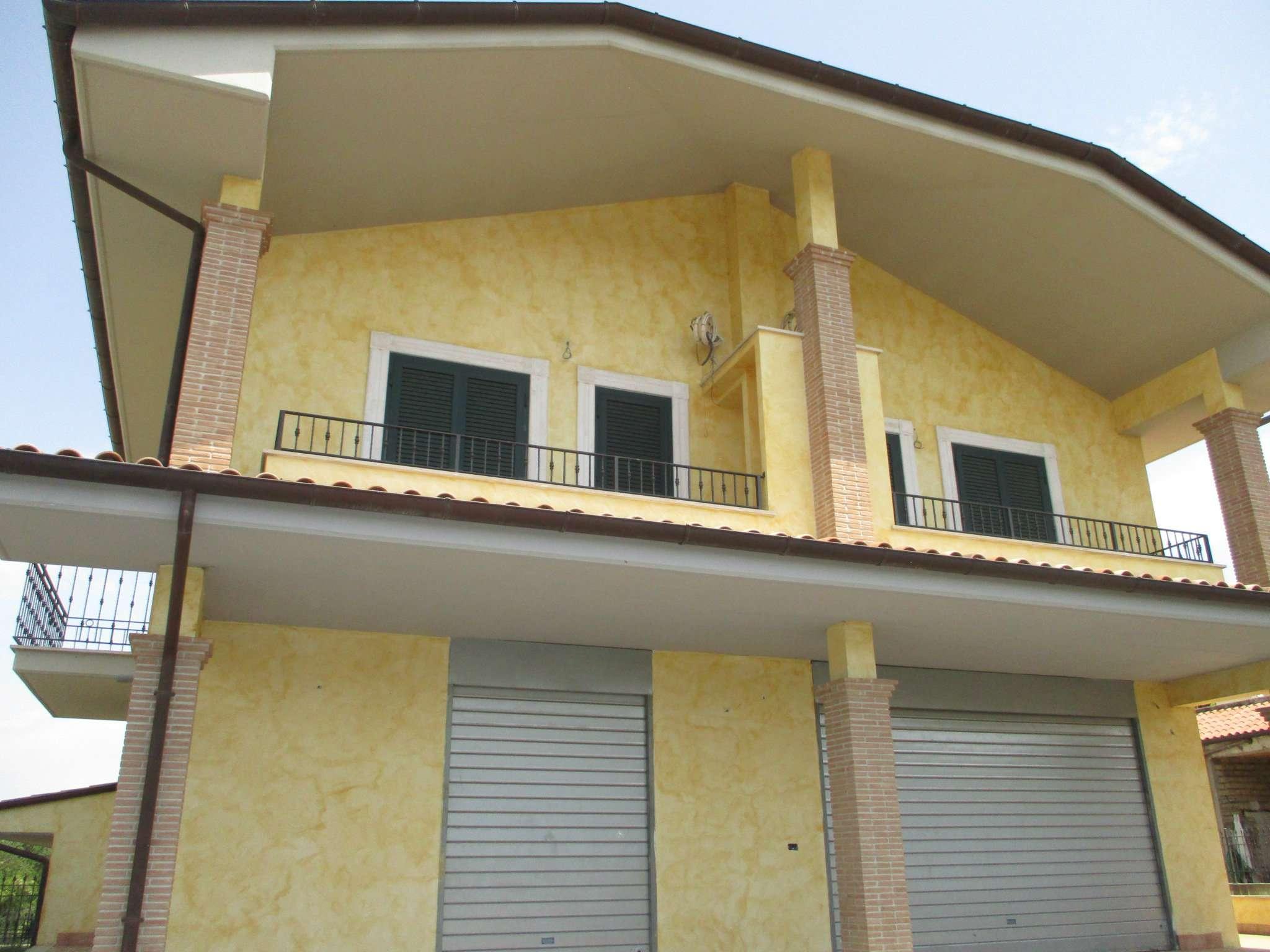 Villa a Schiera in affitto a Gallicano nel Lazio, 7 locali, prezzo € 600 | Cambio Casa.it