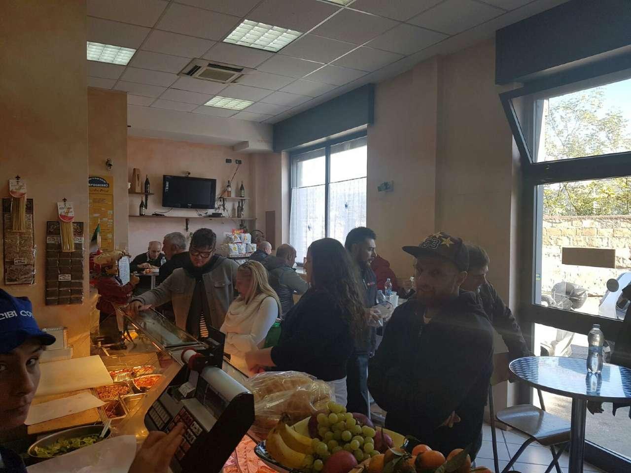 Attività / Licenza in Vendita a Napoli