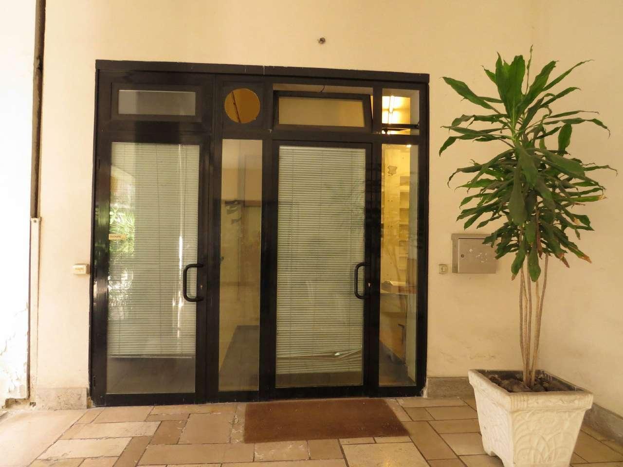 Loft / Openspace in affitto a Napoli, 1 locali, zona Zona: 1 . Chiaia, Posillipo, San Ferdinando, prezzo € 1.400 | Cambio Casa.it