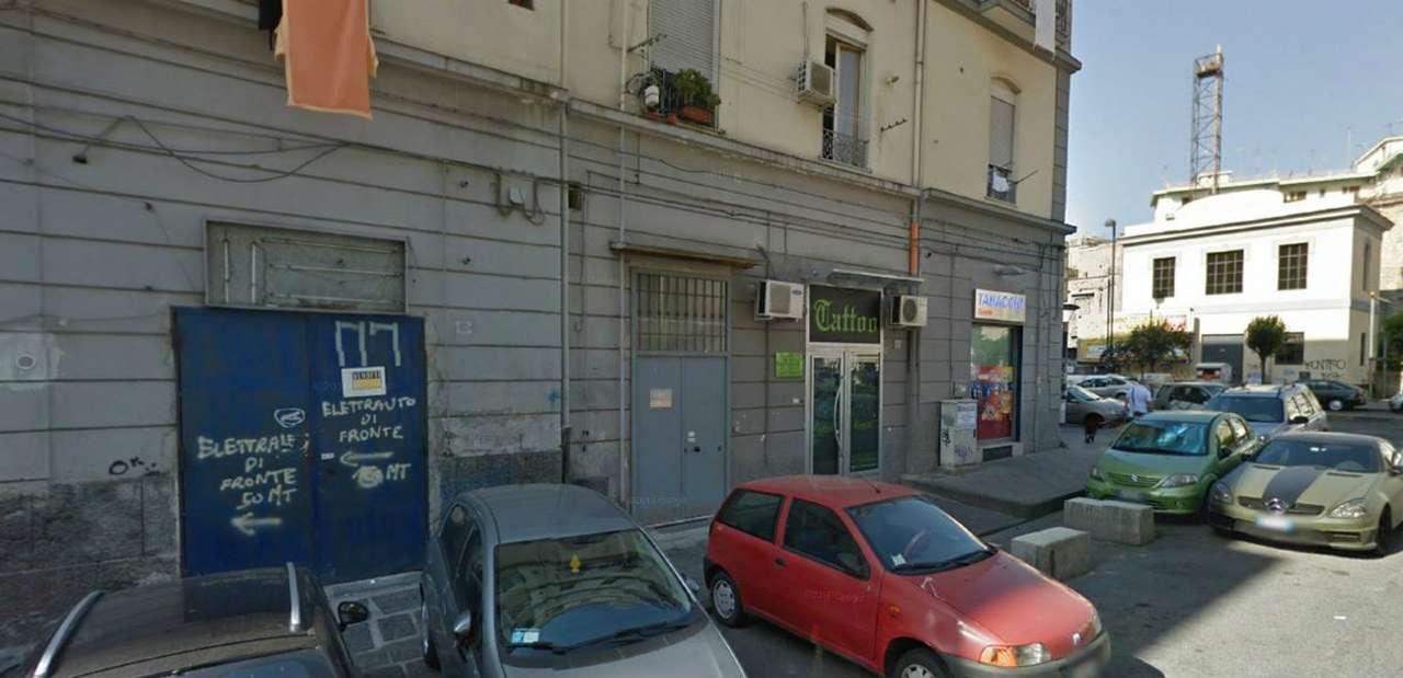 Negozio / Locale in vendita a Napoli, 3 locali, zona Zona: 4 . San Lorenzo, Vicaria, Poggioreale, Zona Industriale, Centro Direzionale, prezzo € 70.000 | CambioCasa.it