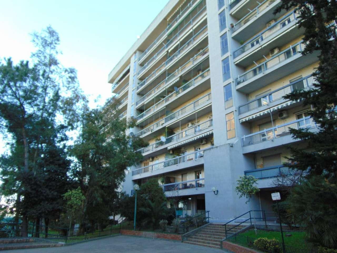 Appartamento in vendita 5 vani 133 mq.  via Mario Pomilio 9 Napoli