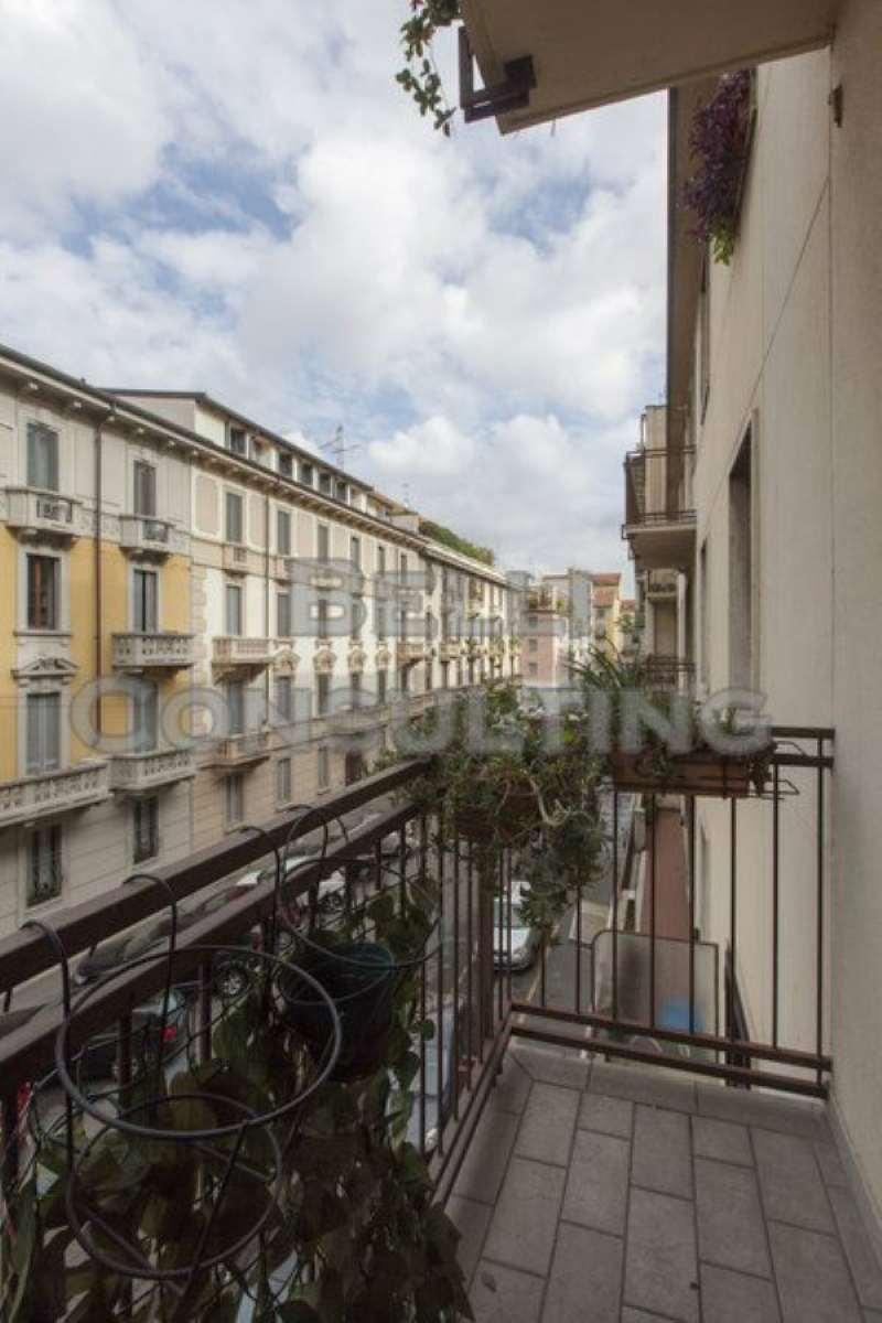 Bilocale Milano Via Volterra 7