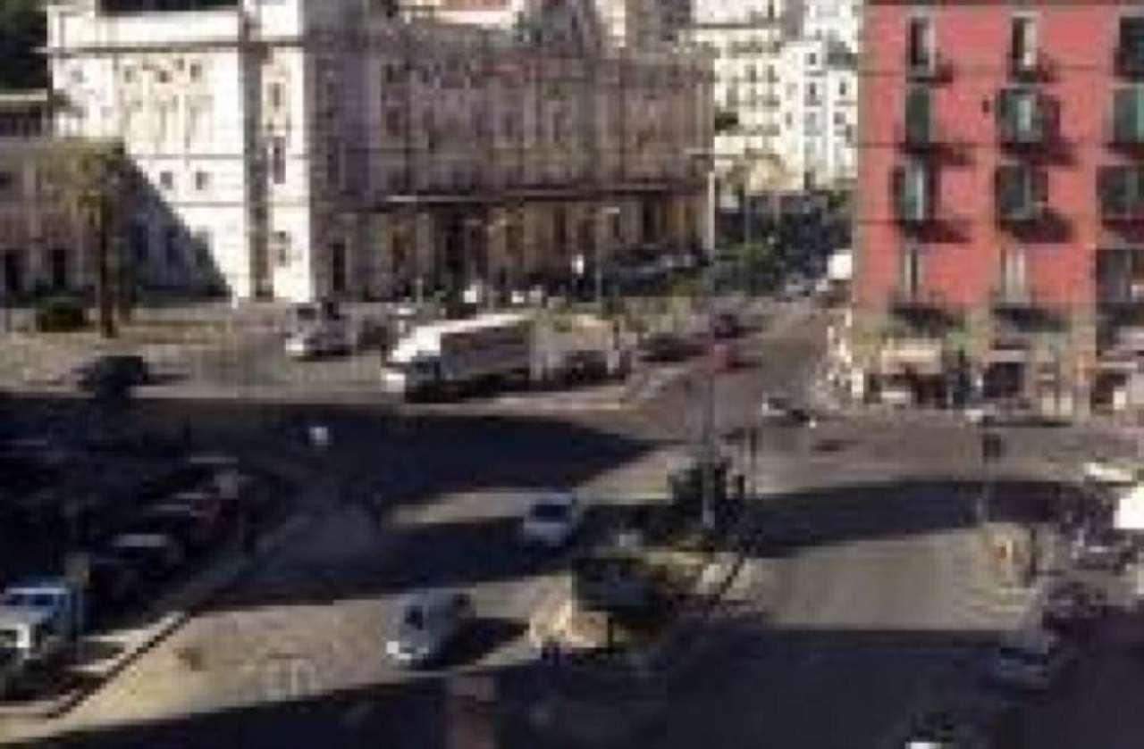 Appartamento in vendita a Napoli, 6 locali, zona Zona: 1 . Chiaia, Posillipo, San Ferdinando, Trattative riservate   Cambio Casa.it