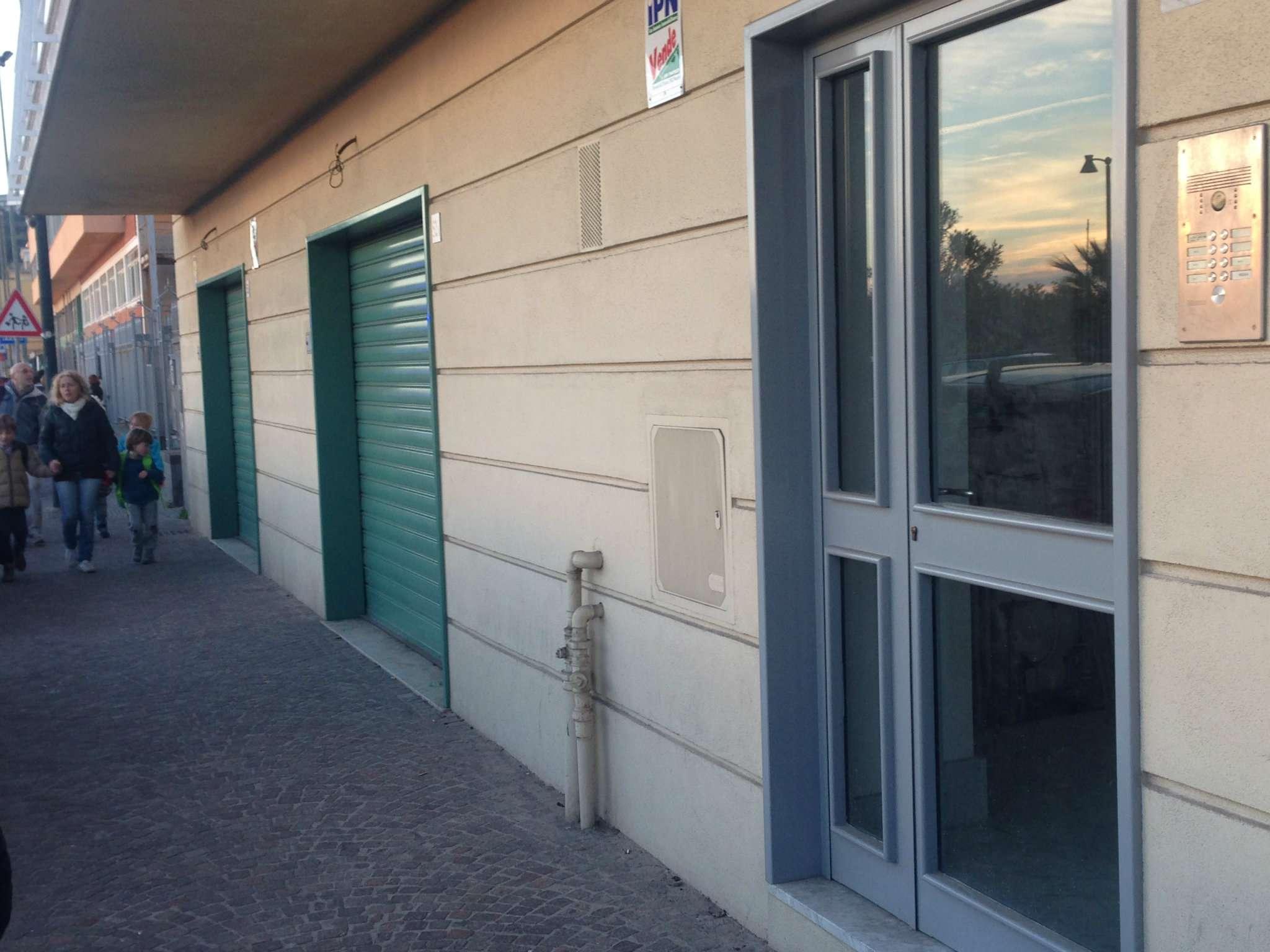 Negozio / Locale in vendita a Napoli, 1 locali, zona Zona: 10 . Bagnoli, Fuorigrotta, Agnano, Trattative riservate | CambioCasa.it