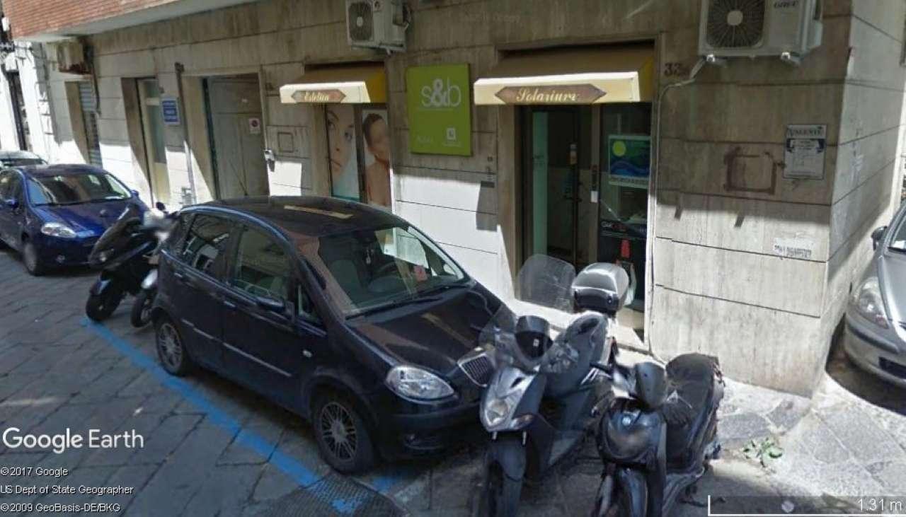 Negozio / Locale in vendita a Napoli, 2 locali, zona Zona: 1 . Chiaia, Posillipo, San Ferdinando, prezzo € 165.000 | CambioCasa.it