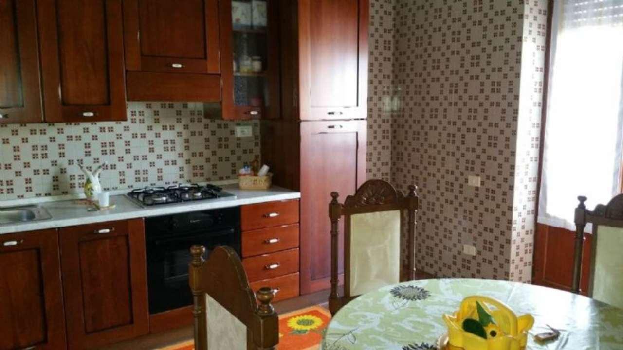 Soluzione Indipendente in vendita a Torre del Greco, 3 locali, prezzo € 170.000 | Cambio Casa.it