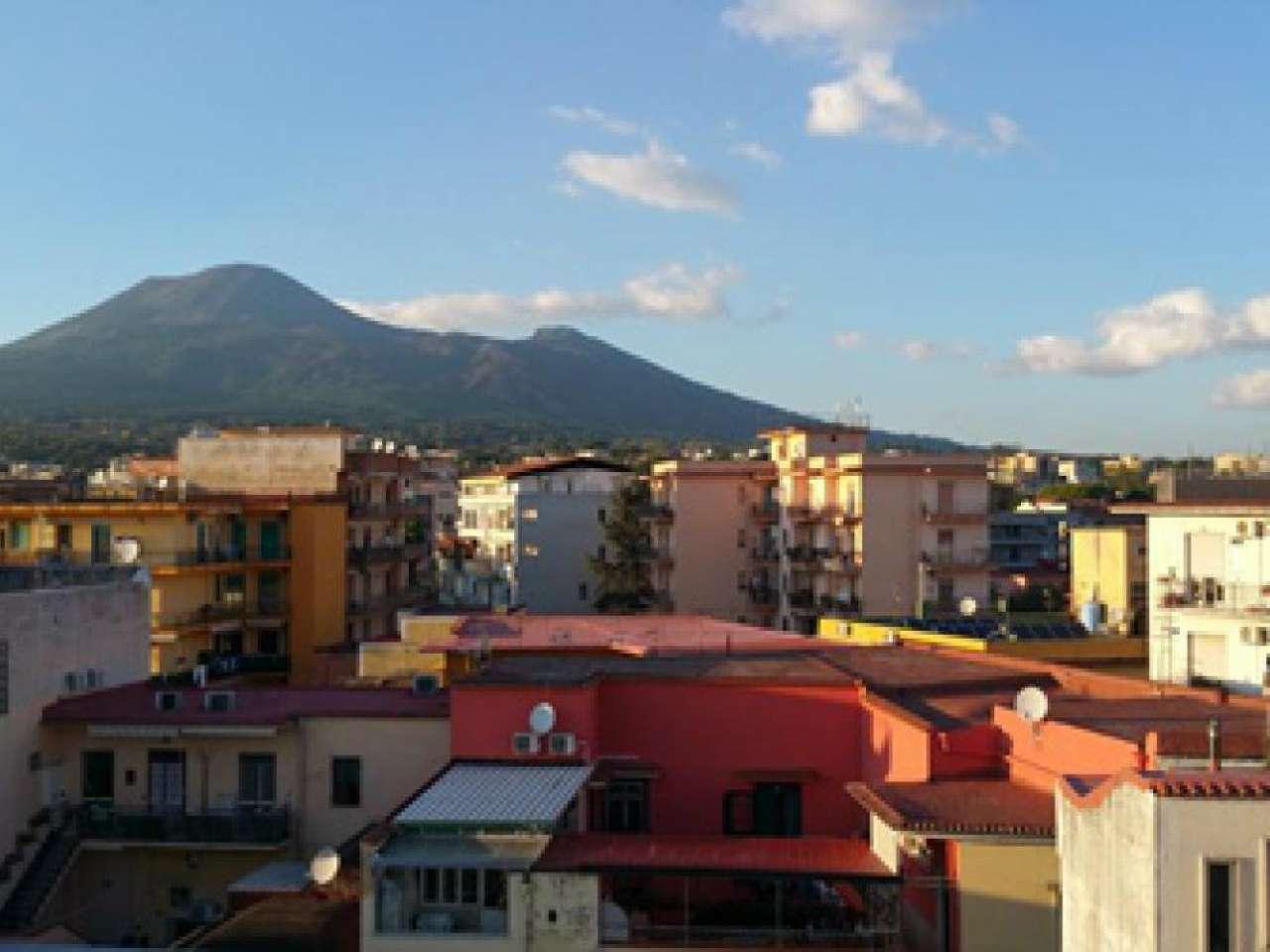 Appartamento in vendita a Boscoreale, 7 locali, prezzo € 160.000 | Cambio Casa.it