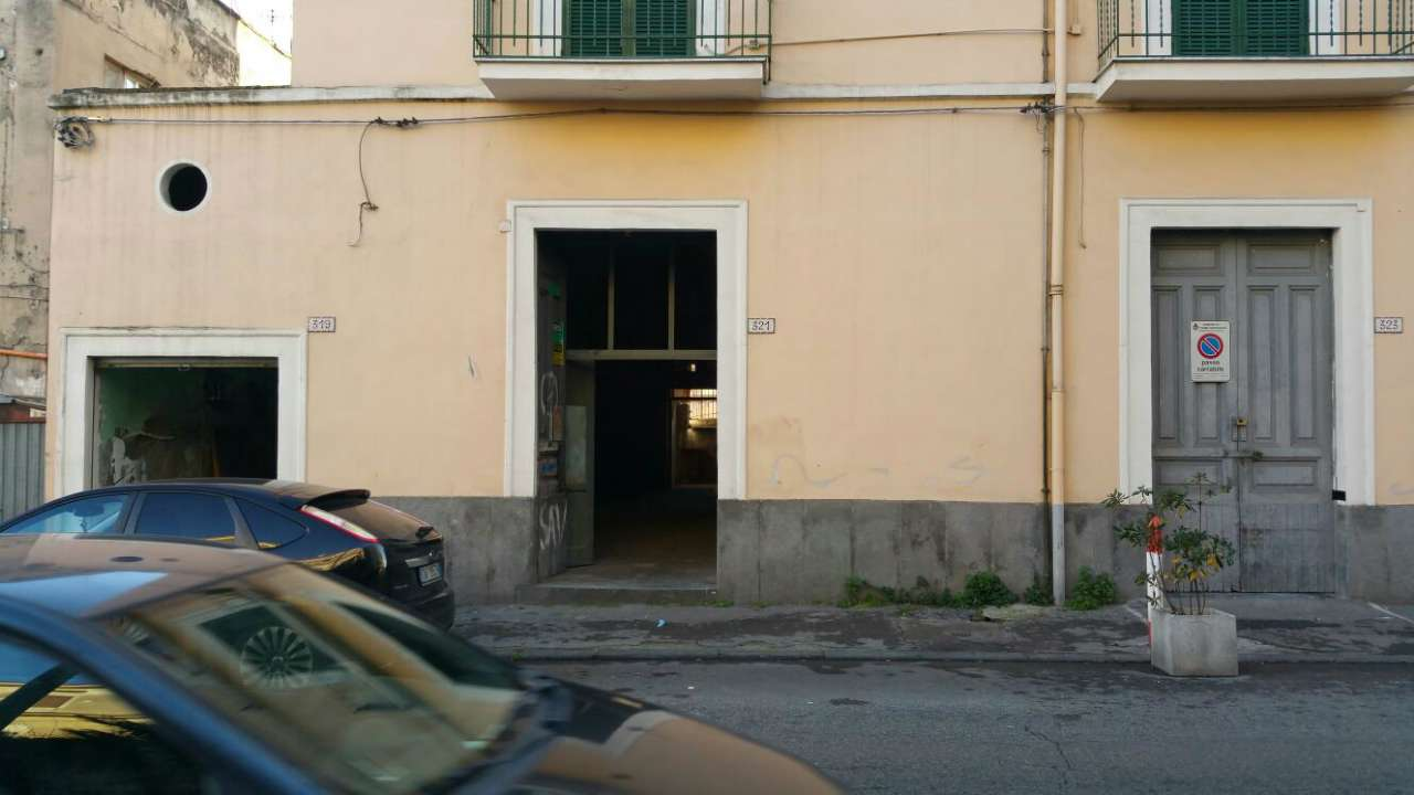 Negozio / Locale in vendita a Torre Annunziata, 3 locali, prezzo € 90.000 | Cambio Casa.it