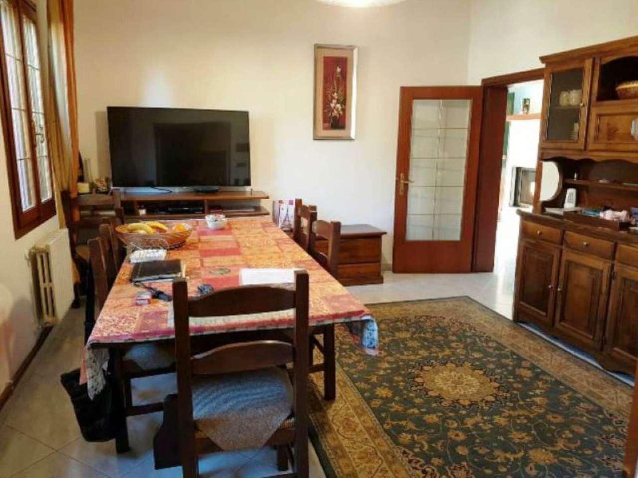 Soluzione Indipendente in vendita a Santa Maria di Sala, 5 locali, prezzo € 198.000 | Cambio Casa.it