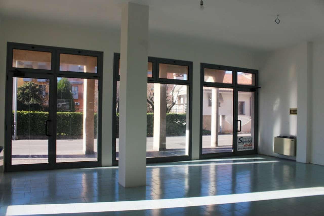 Negozio / Locale in affitto a Martellago, 1 locali, prezzo € 550 | Cambio Casa.it