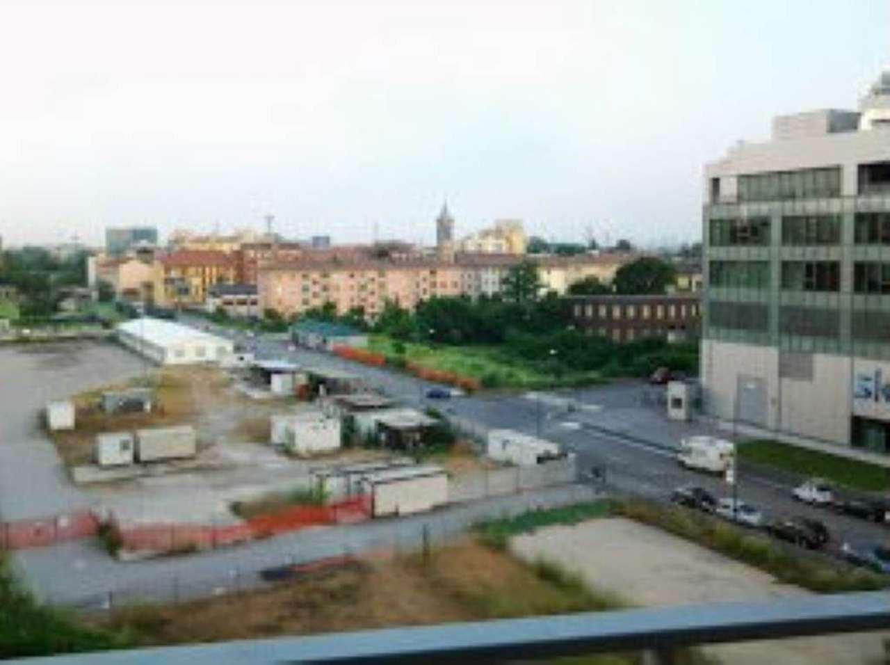 Bilocale Milano Via Del Futurissmo 10