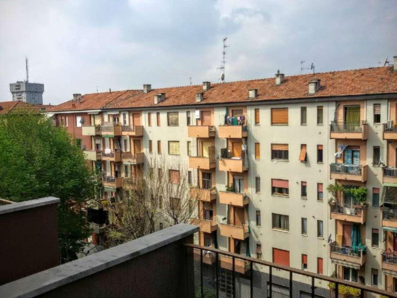 Bilocale Milano Via Liscate 7