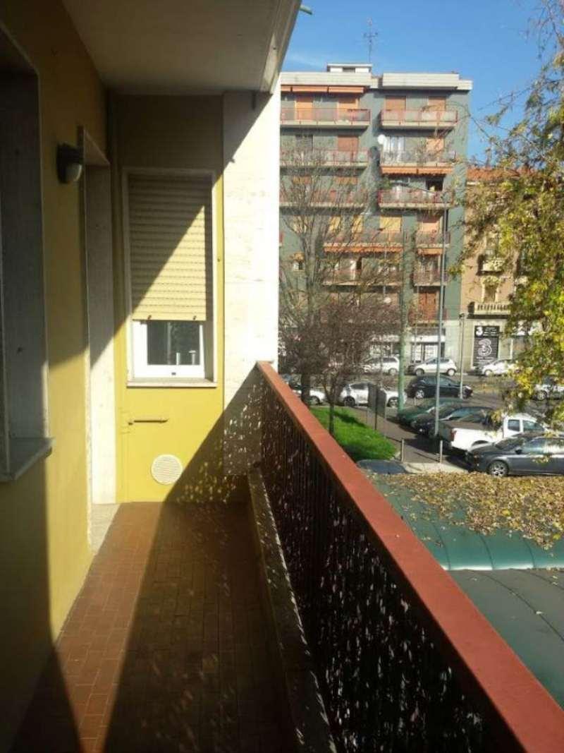 Bilocale Milano Via Rebrandat 13