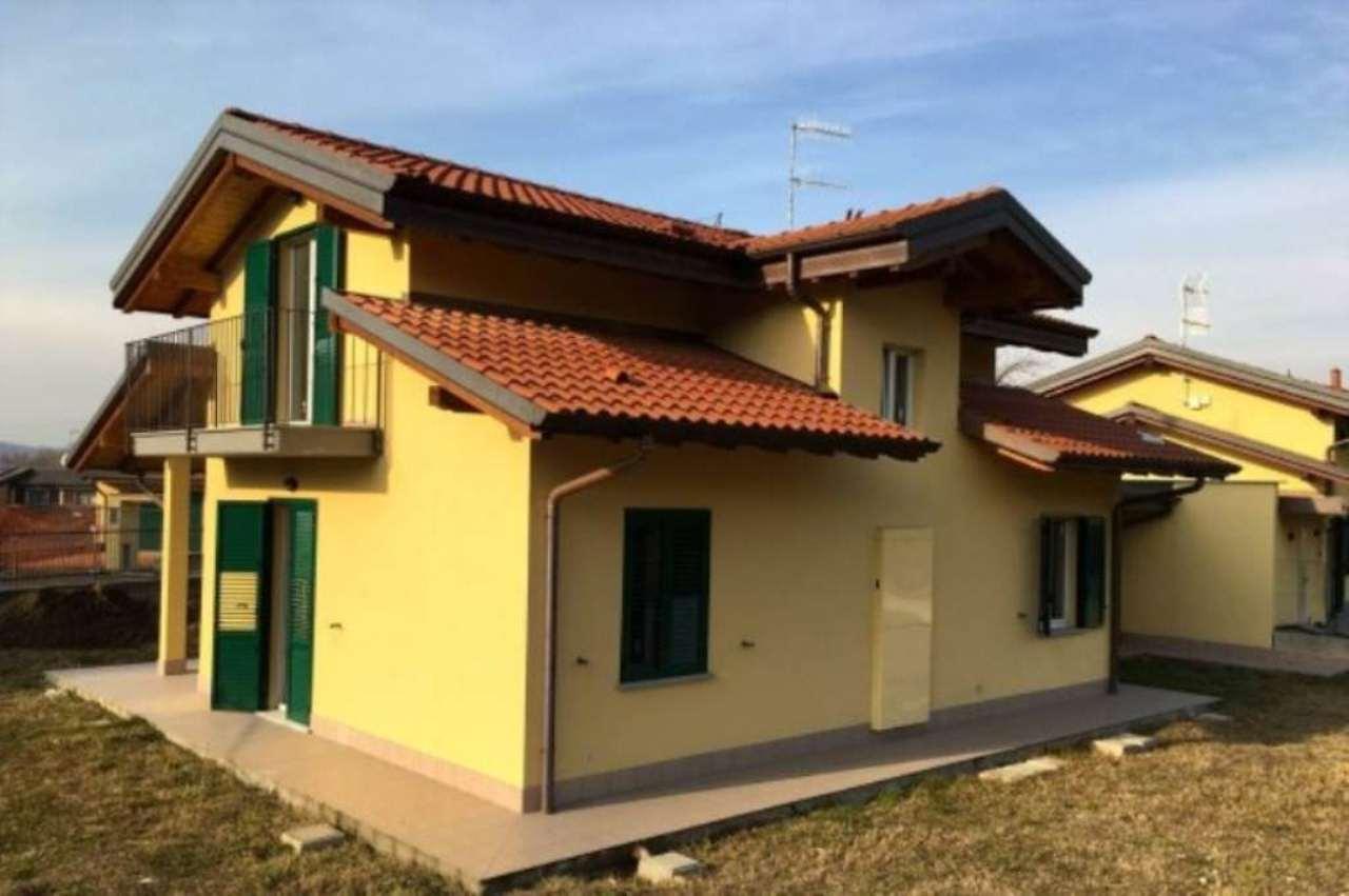 Villa in vendita a Inarzo, 6 locali, prezzo € 340.000 | Cambio Casa.it