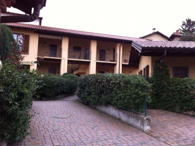 Appartamento in vendita a Cocquio-Trevisago, 2 locali, prezzo € 110.000 | Cambio Casa.it