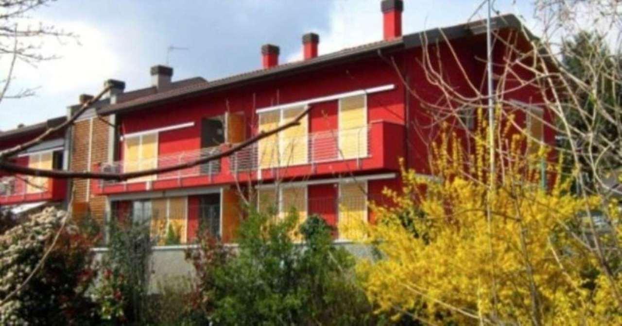 Appartamento in vendita a Comerio, 5 locali, prezzo € 450.000 | Cambio Casa.it
