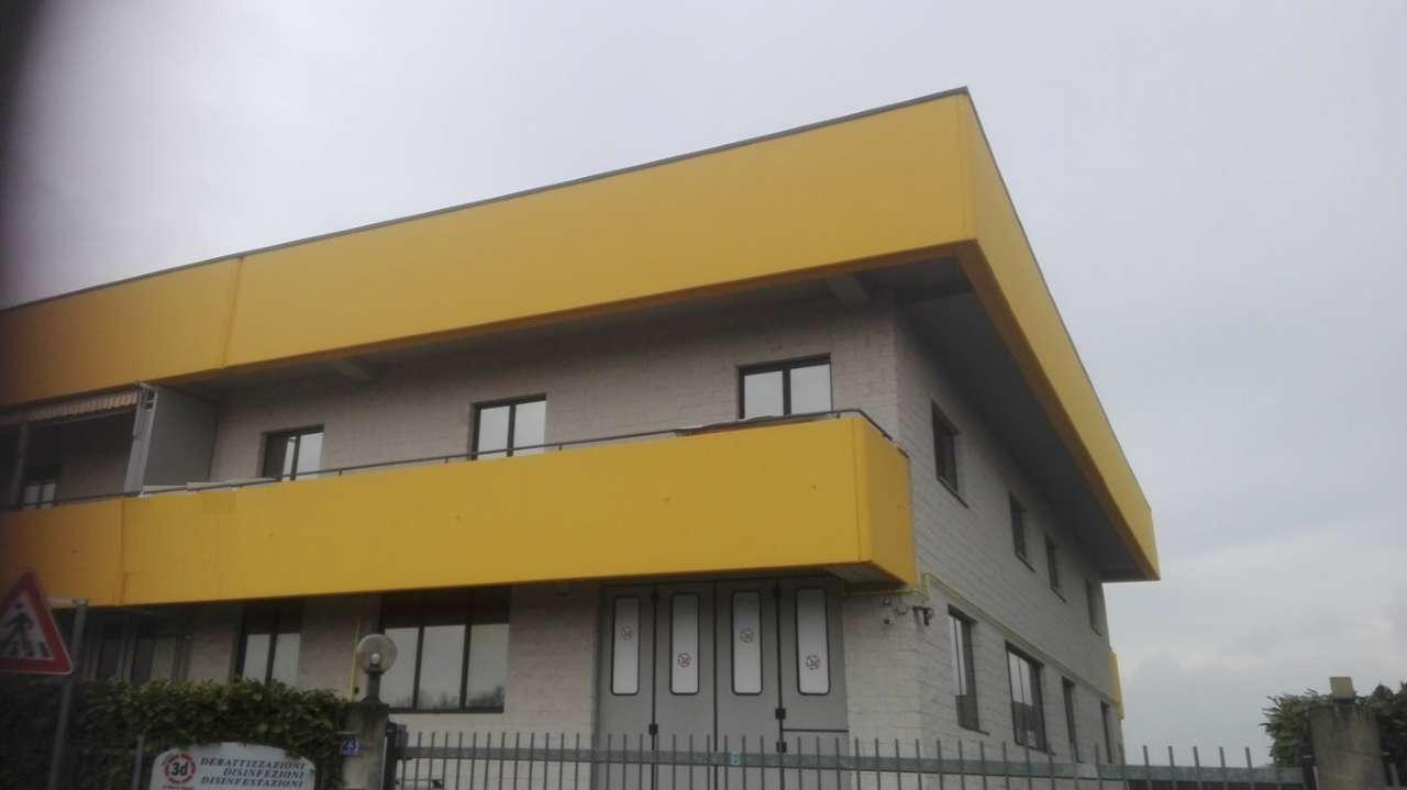 Immagine immobiliare DRUENTO Capannone 300 mq al primo piano. Disponiamo in Druento Capannone grezzo di 300 mq situato al primo piano con accesso attraverso le scale, l'impiantistica e la rifinitura dell'immobile saranno approntate dalla proprietà...
