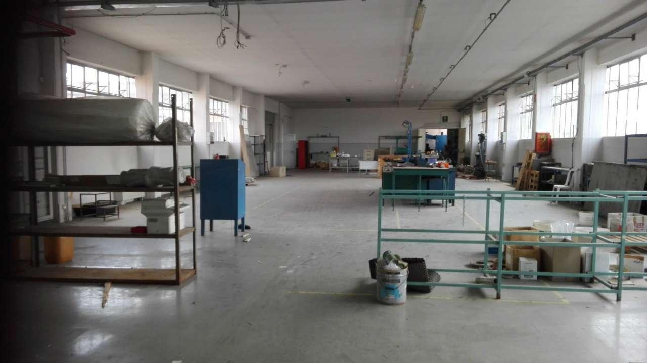 Magazzino/Laboratorio in affitto Zona Mirafiori - via santorelli 4 Torino