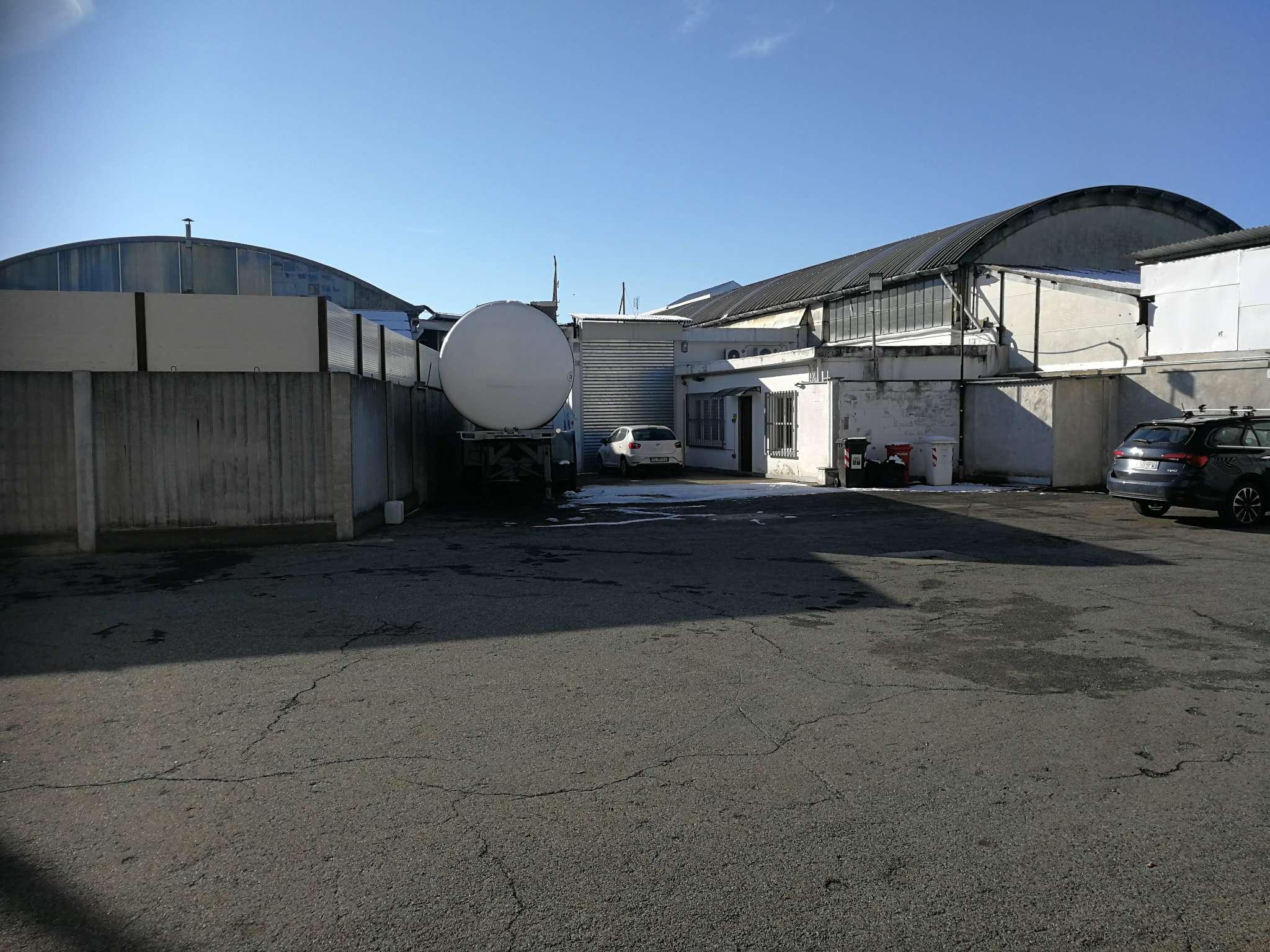 Immagine immobiliare Disponiamo di un capannone industriale a Grugliasco di 750 mq Disponiamo di un capannone industriale a Grugliasco nei pressi del centro commerciale