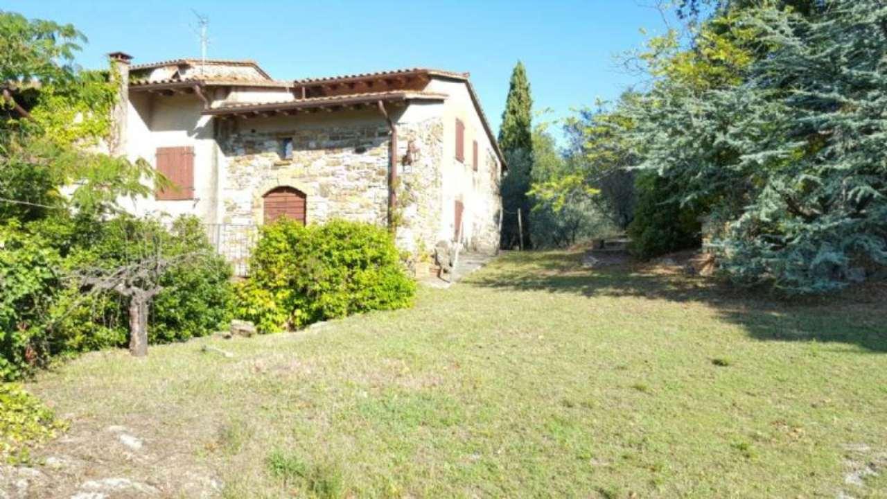 Rustico / Casale in vendita a Vaiano, 10 locali, prezzo € 900.000 | Cambio Casa.it