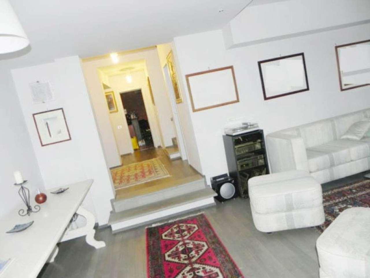 Villa in vendita a Prato, 6 locali, prezzo € 750.000 | Cambio Casa.it