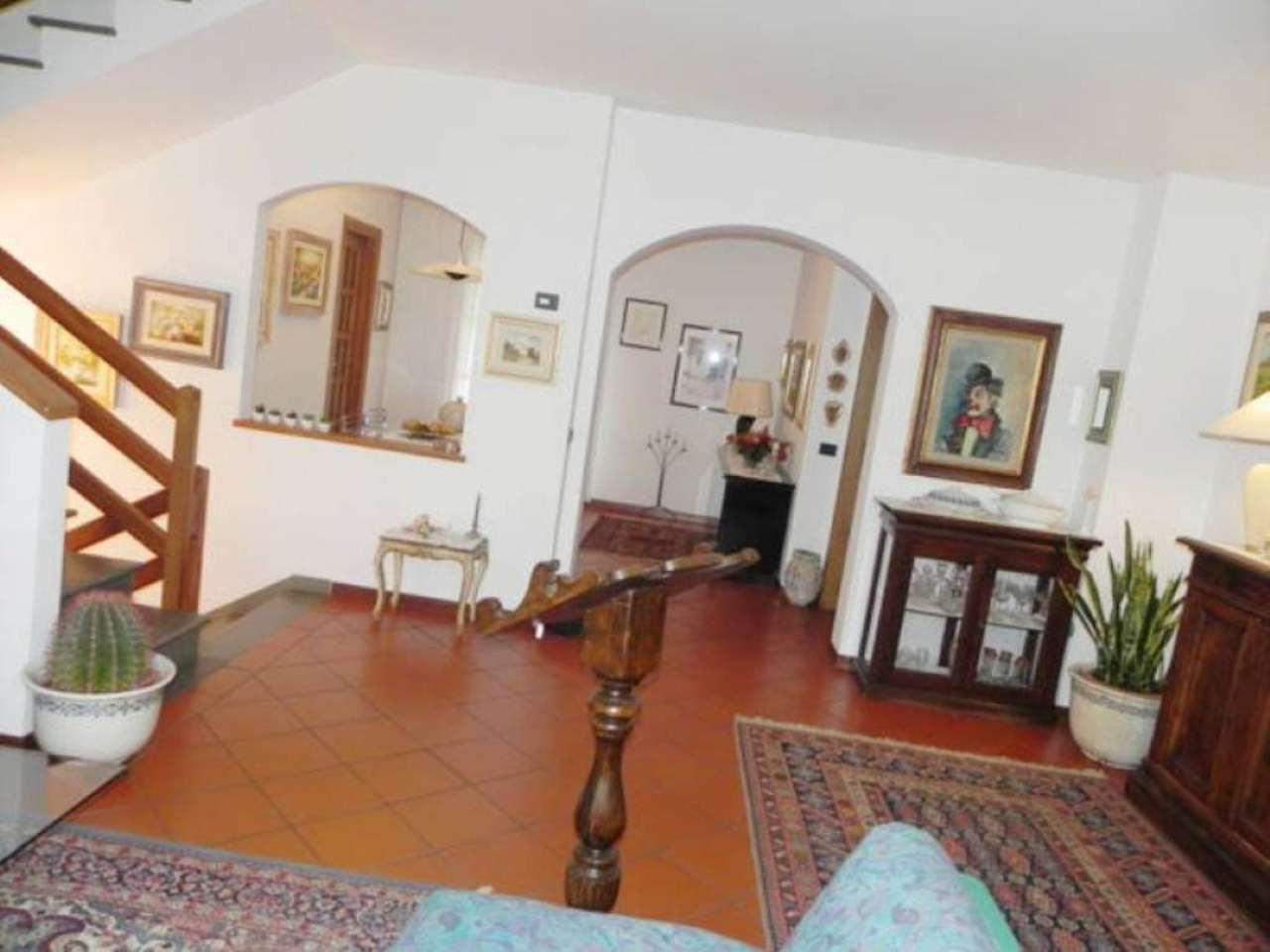 Villa in vendita a Vaiano, 5 locali, prezzo € 520.000 | Cambio Casa.it