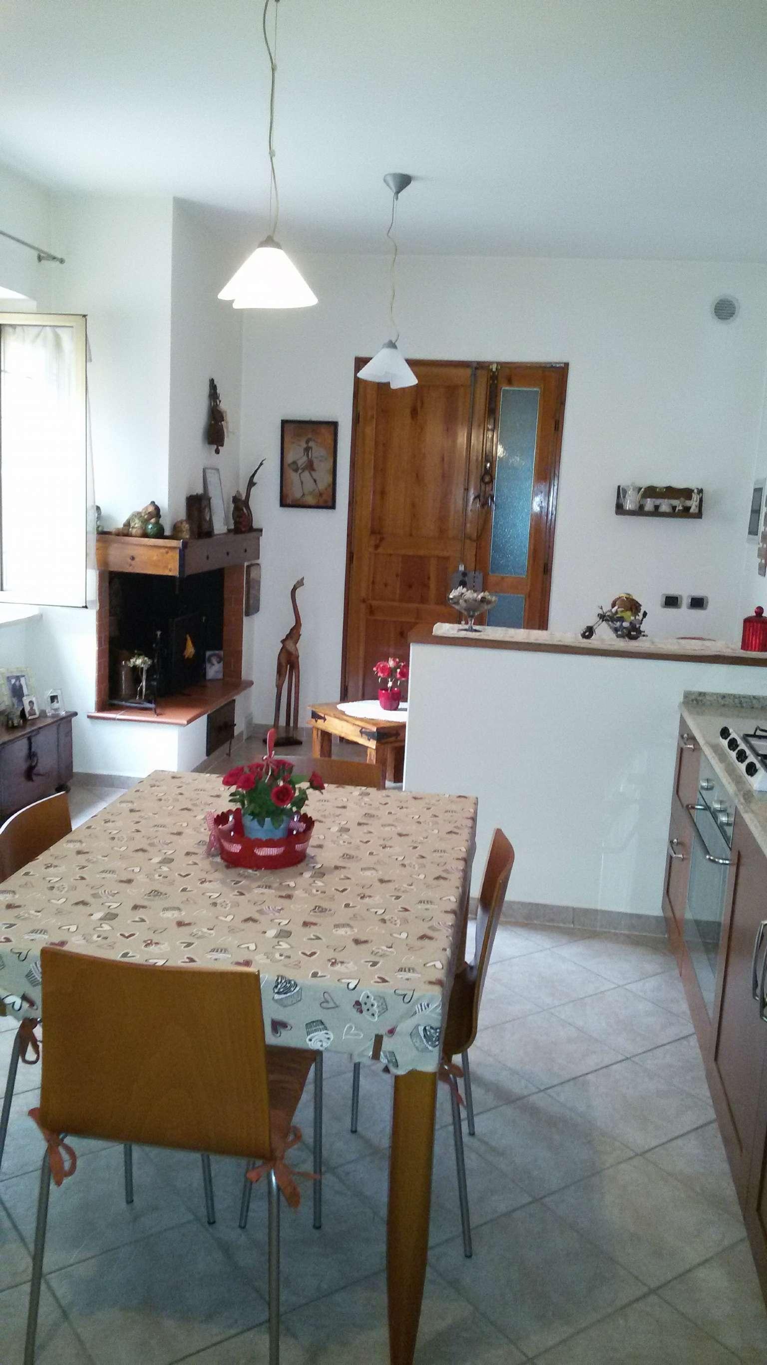 Palazzo / Stabile in vendita a Pistoia, 4 locali, prezzo € 140.000 | Cambio Casa.it