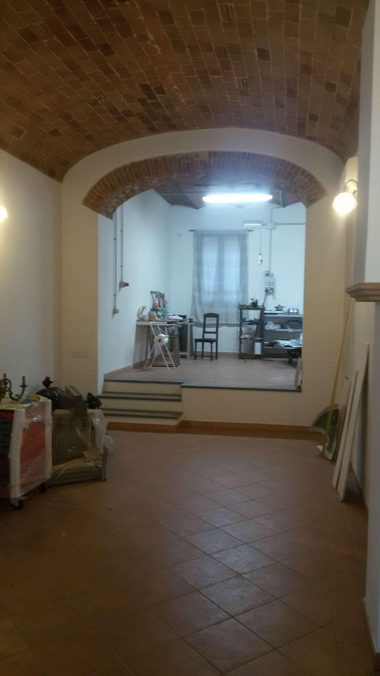 Negozio / Locale in vendita a Prato, 2 locali, prezzo € 170.000 | CambioCasa.it