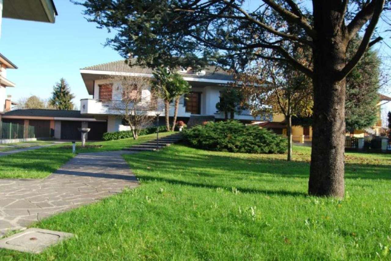 Villa in vendita a Morengo, 6 locali, prezzo € 330.000 | CambioCasa.it