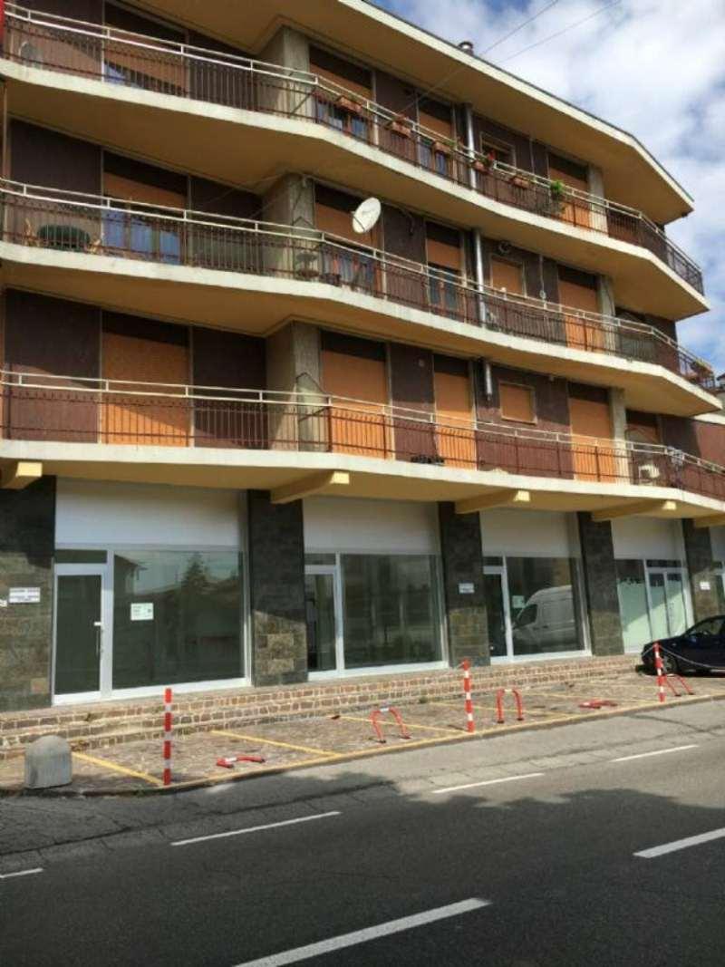 Negozio / Locale in affitto a Osio Sotto, 2 locali, prezzo € 900   CambioCasa.it