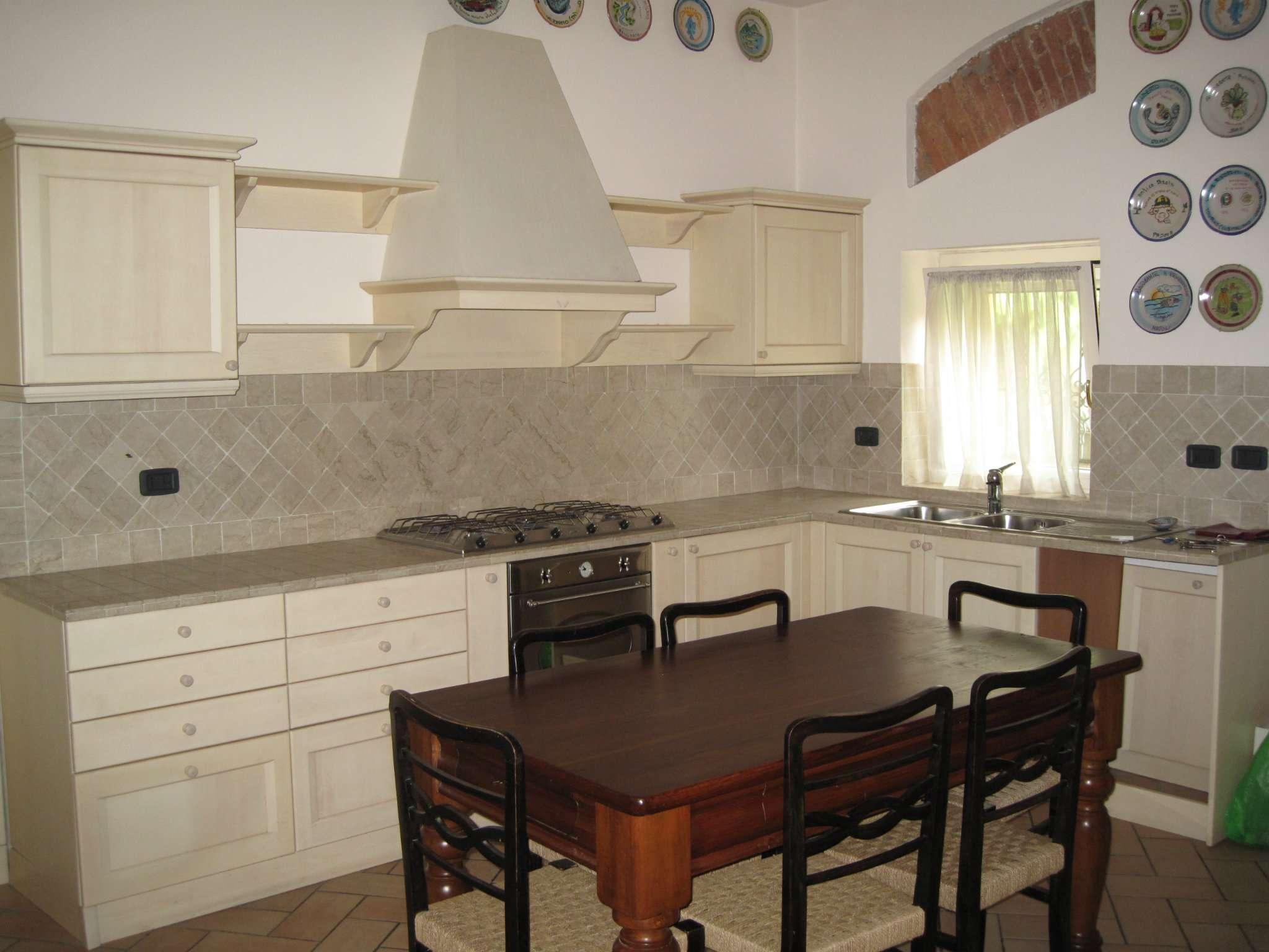 Appartamento in affitto a Arzago d'Adda, 5 locali, prezzo € 900 | CambioCasa.it