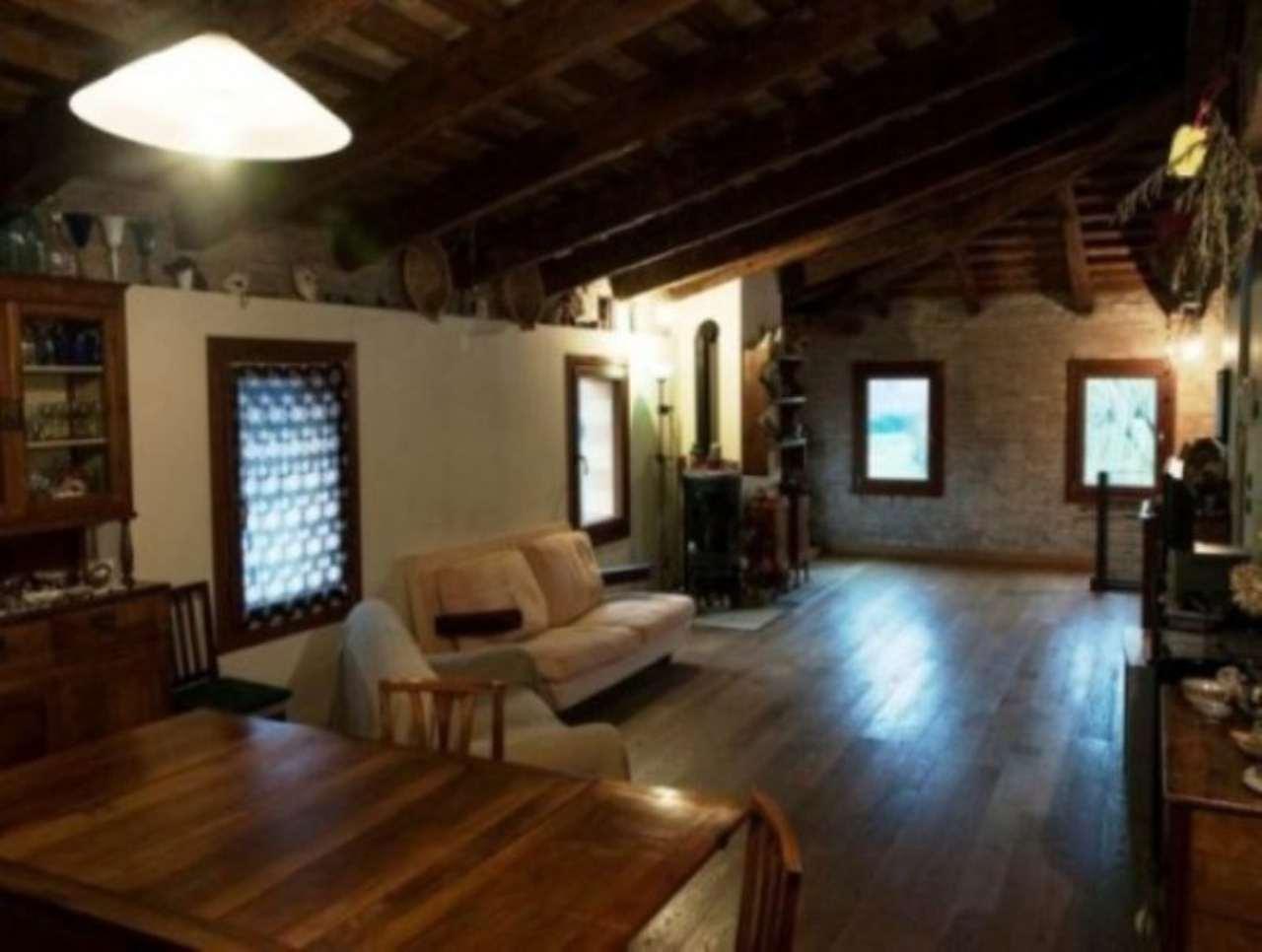 Rustico / Casale in vendita a Venezia, 6 locali, zona Zona: 13 . Zelarino, prezzo € 590.000 | Cambio Casa.it