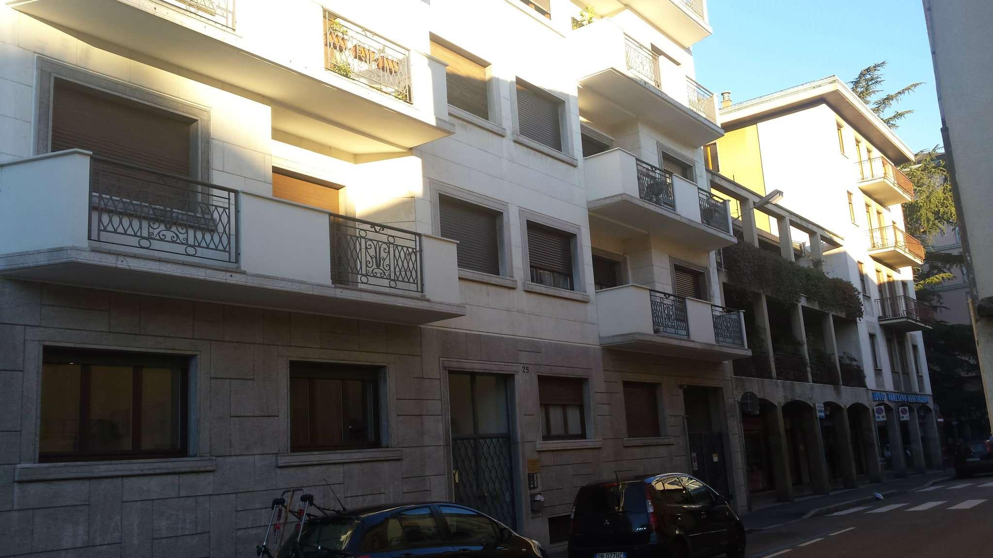 Ufficio / Studio in affitto a Varese, 4 locali, prezzo € 550 | Cambio Casa.it