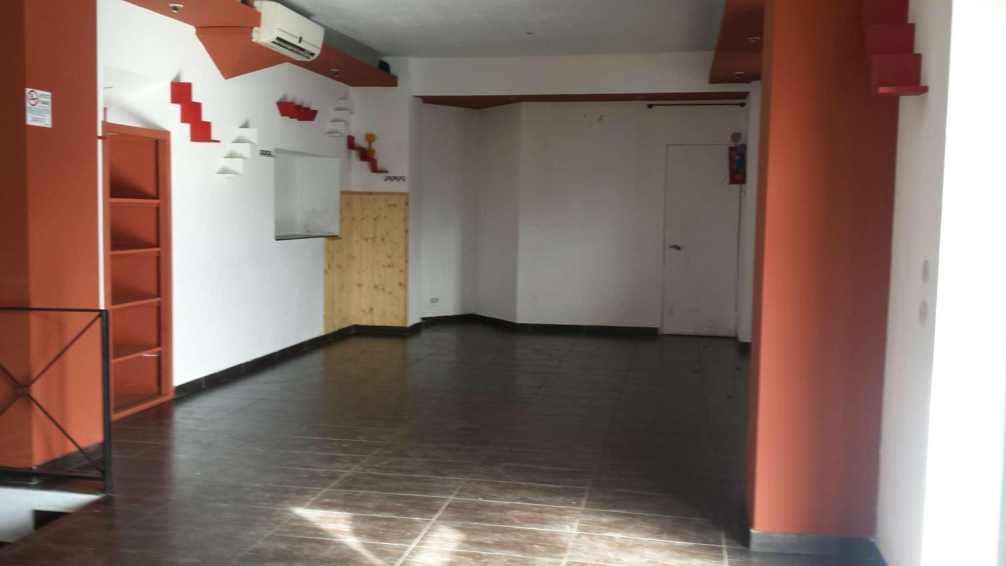 Negozio / Locale in affitto a Varese, 3 locali, prezzo € 820 | Cambio Casa.it