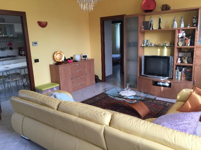 Appartamento in vendita a Cremona, 3 locali, prezzo € 145.000 | Cambio Casa.it