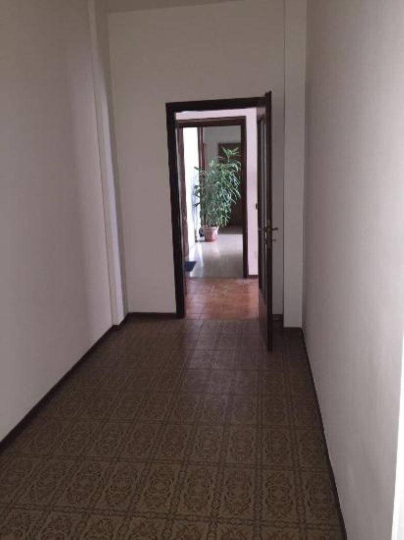 Appartamento in vendita a Cremona, 3 locali, prezzo € 130.000 | Cambio Casa.it