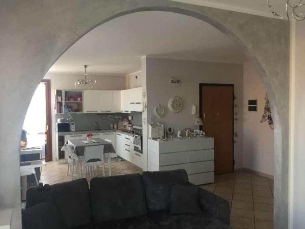 Appartamento in vendita a Stagno Lombardo, 4 locali, prezzo € 120.000 | Cambio Casa.it