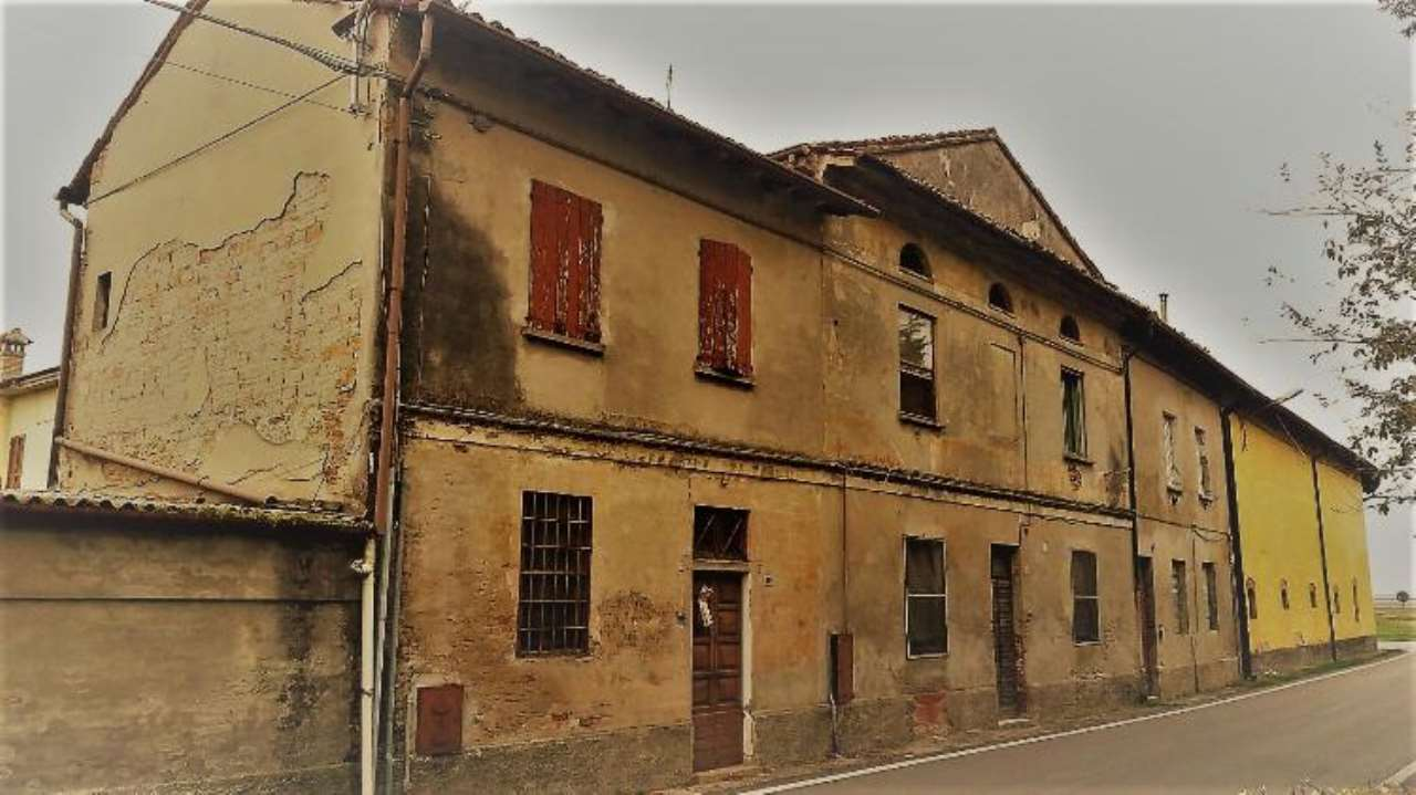 Palazzo / Stabile in vendita a Persico Dosimo, 5 locali, prezzo € 140.000 | Cambio Casa.it
