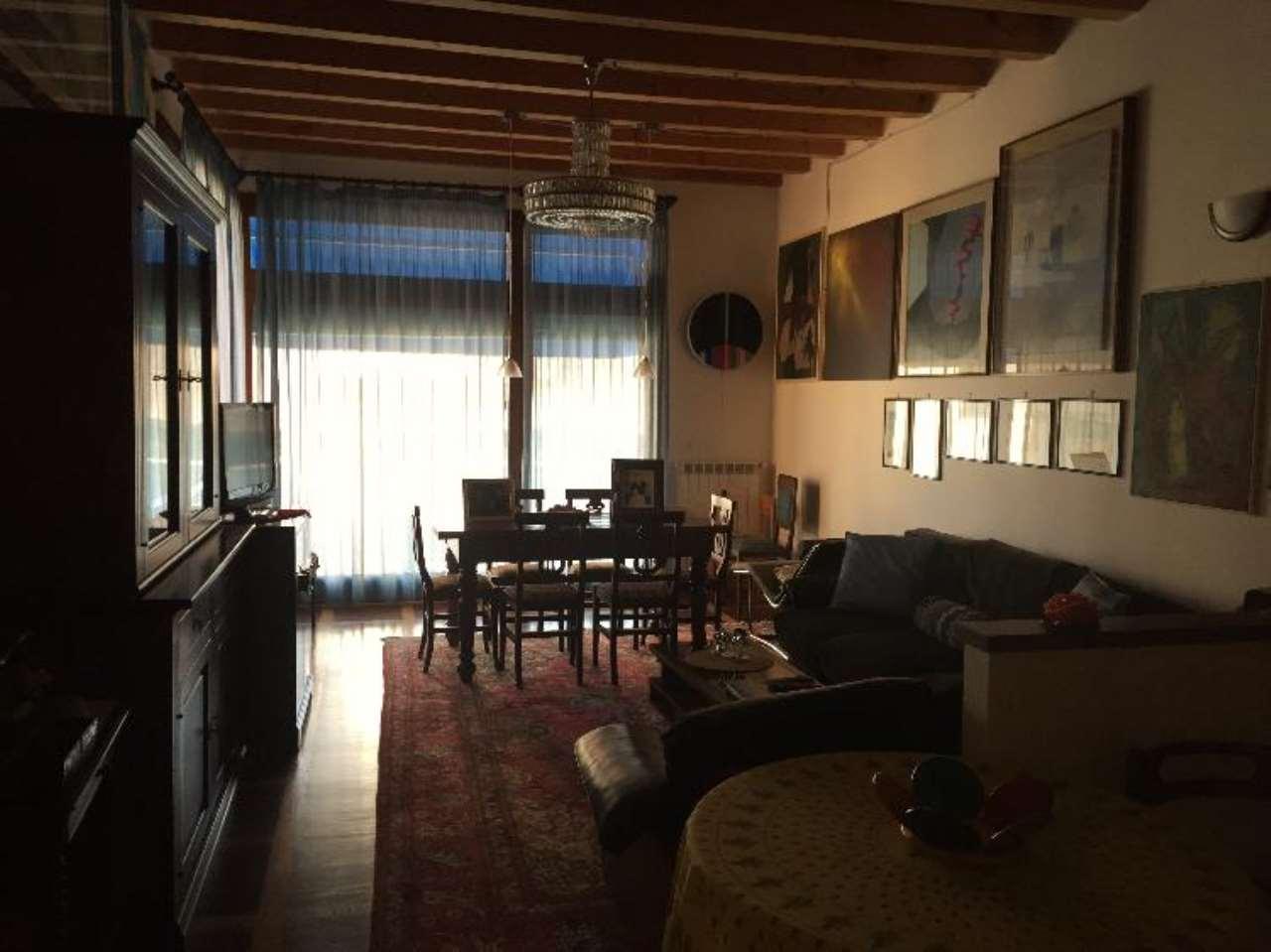 Soluzione Indipendente in vendita a Cremona, 5 locali, prezzo € 450.000 | Cambio Casa.it