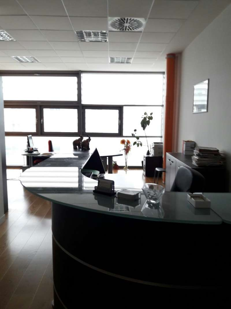 Ufficio / Studio in affitto a Spinea, 4 locali, prezzo € 1.300 | CambioCasa.it