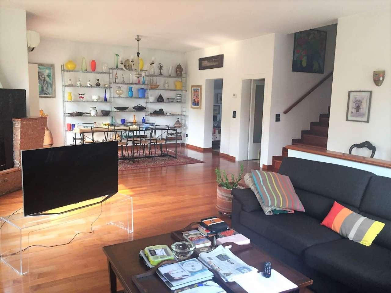 Villa in vendita a Venezia, 10 locali, zona Zona: 13 . Zelarino, prezzo € 398.000 | CambioCasa.it