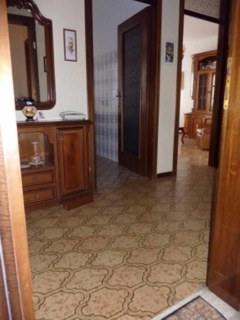 Appartamento in vendita a Maserada sul Piave, 3 locali, prezzo € 55.000 | Cambio Casa.it