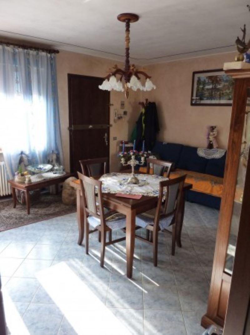 Appartamento in vendita a Villorba, 5 locali, prezzo € 100.000 | Cambio Casa.it