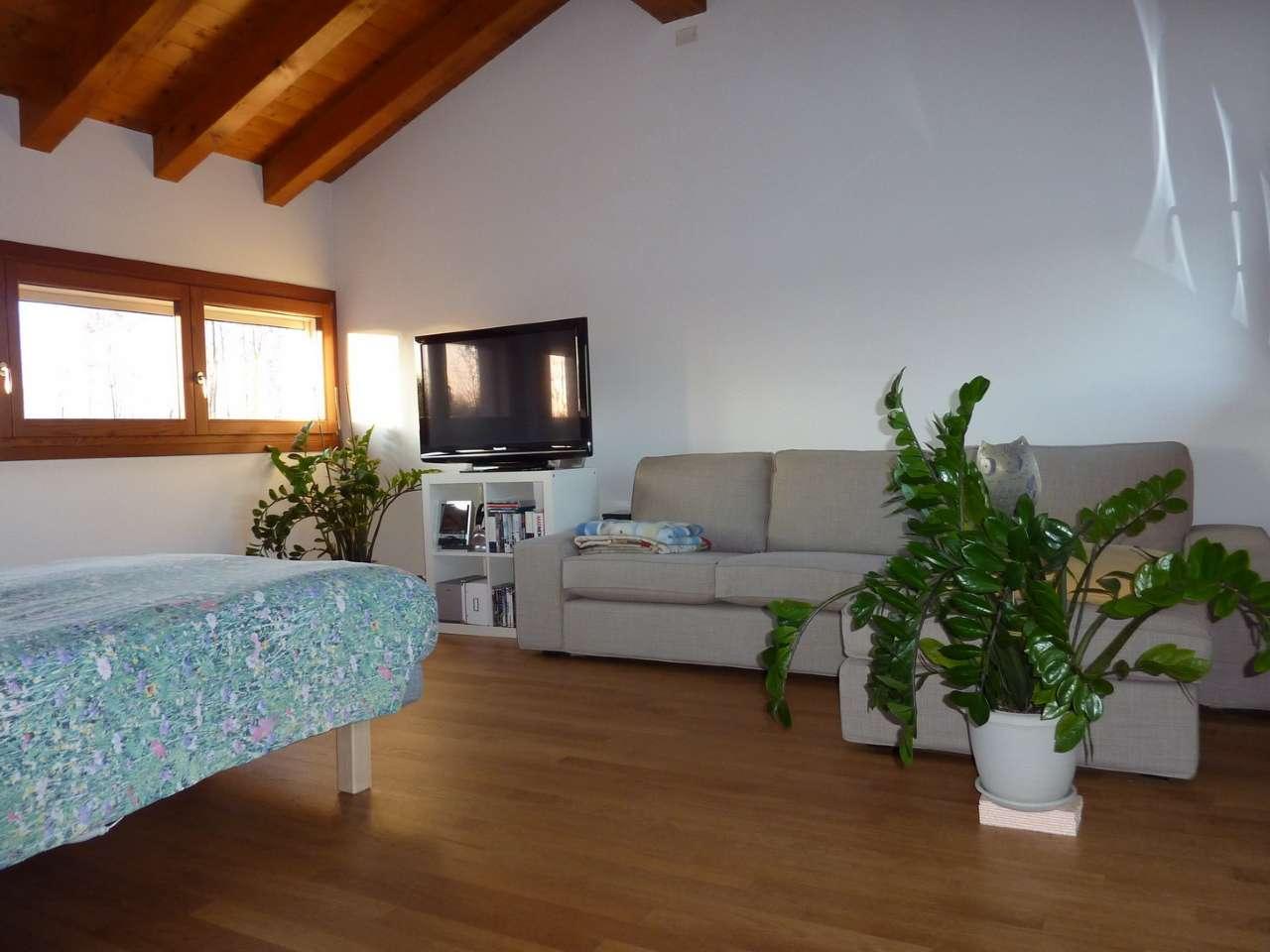 Villa Bifamiliare in affitto a Povegliano, 6 locali, prezzo € 900 | Cambio Casa.it