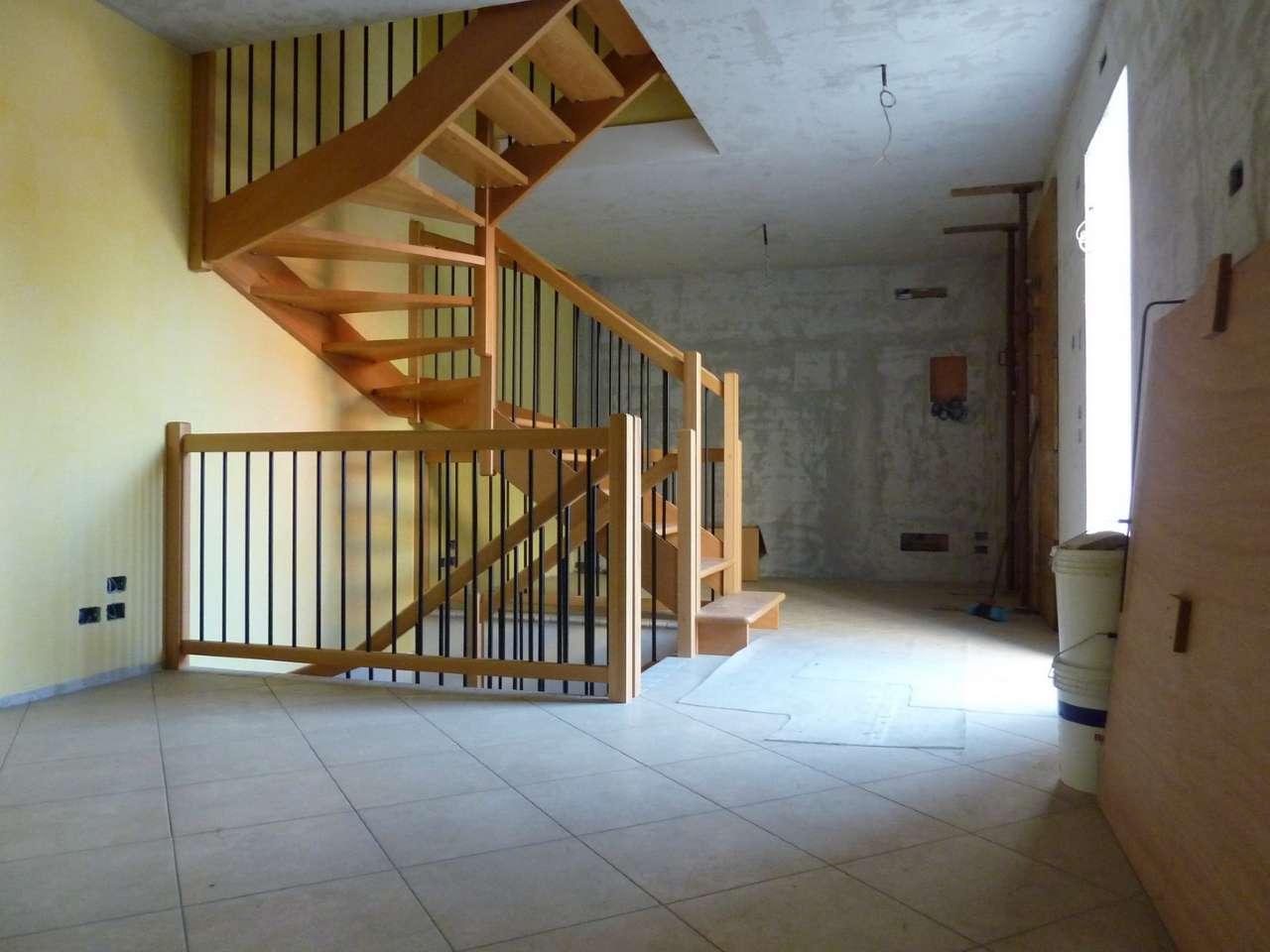Villa a Schiera in vendita a Povegliano, 5 locali, prezzo € 130.000 | Cambio Casa.it