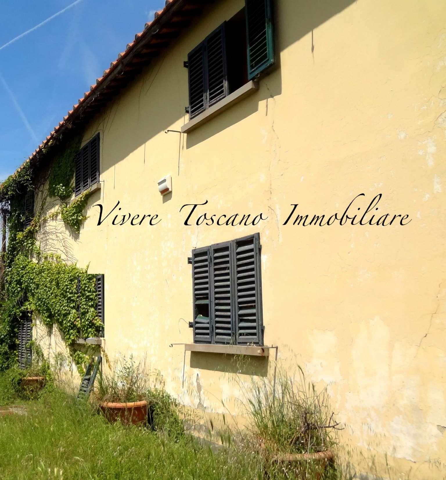 Casa Colonica in vendita 6 vani 160 mq.  via Docciaola Firenze