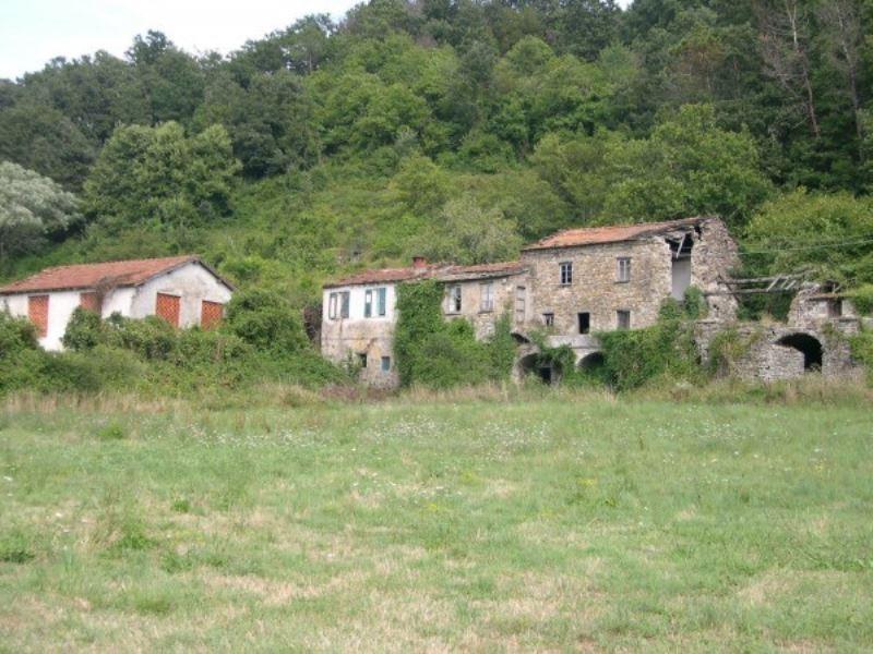 Rustico / Casale in vendita a Varese Ligure, 6 locali, prezzo € 360.000 | Cambio Casa.it