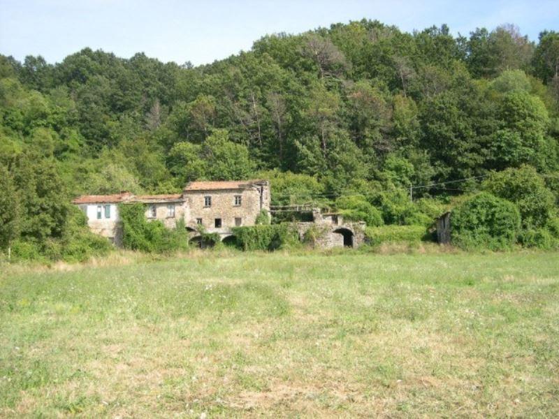 Foto 1 di Rustico strada Statale 523, frazione San Pietro Vara, Varese Ligure