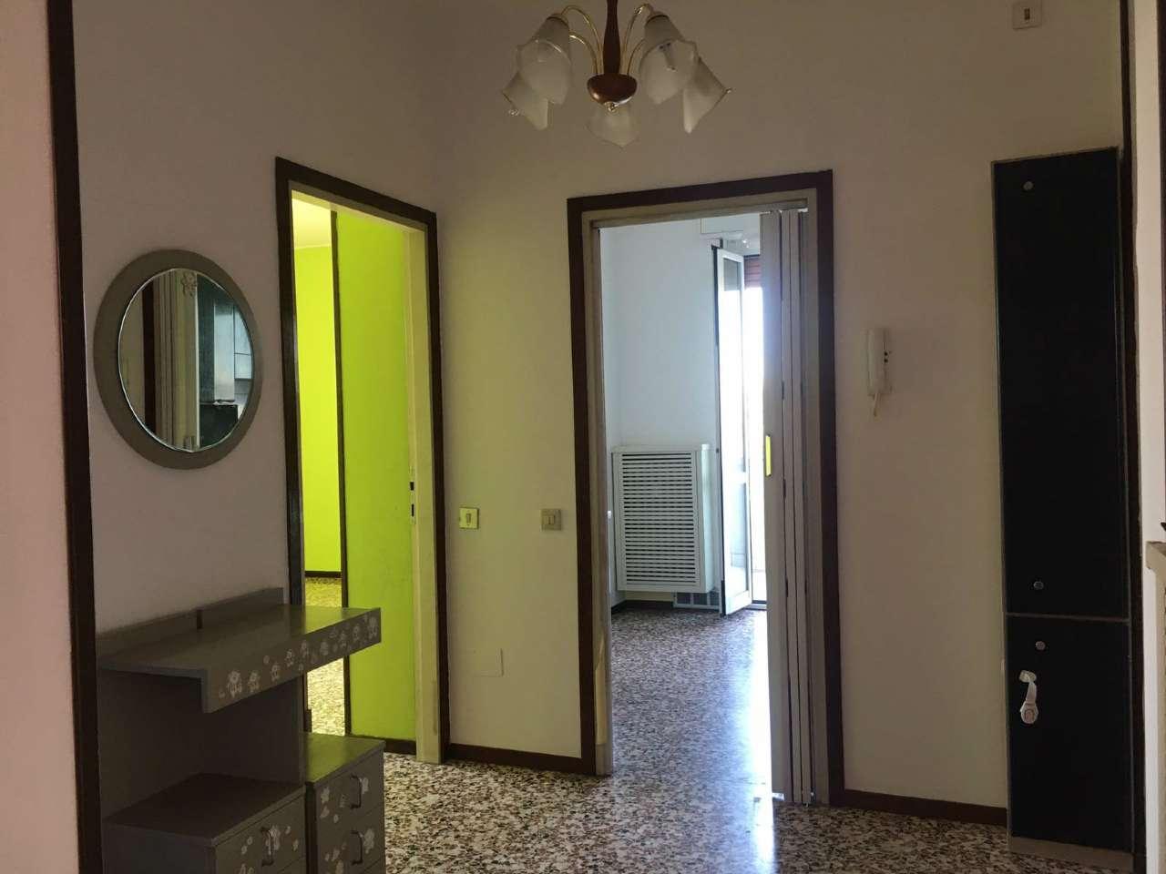 Bilocale Cinisello Balsamo Via Sempione 4